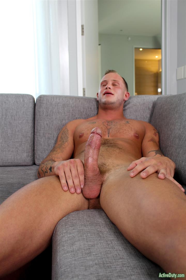 Active-Duty-Zack-Matthews-Muscle-Army-Hunk-Jerks-His-Big-Cock-Amateur-Gay-Porn-10 Blonde Muscle US Army Recruit Zach Matthews Jerks His Big White Cock