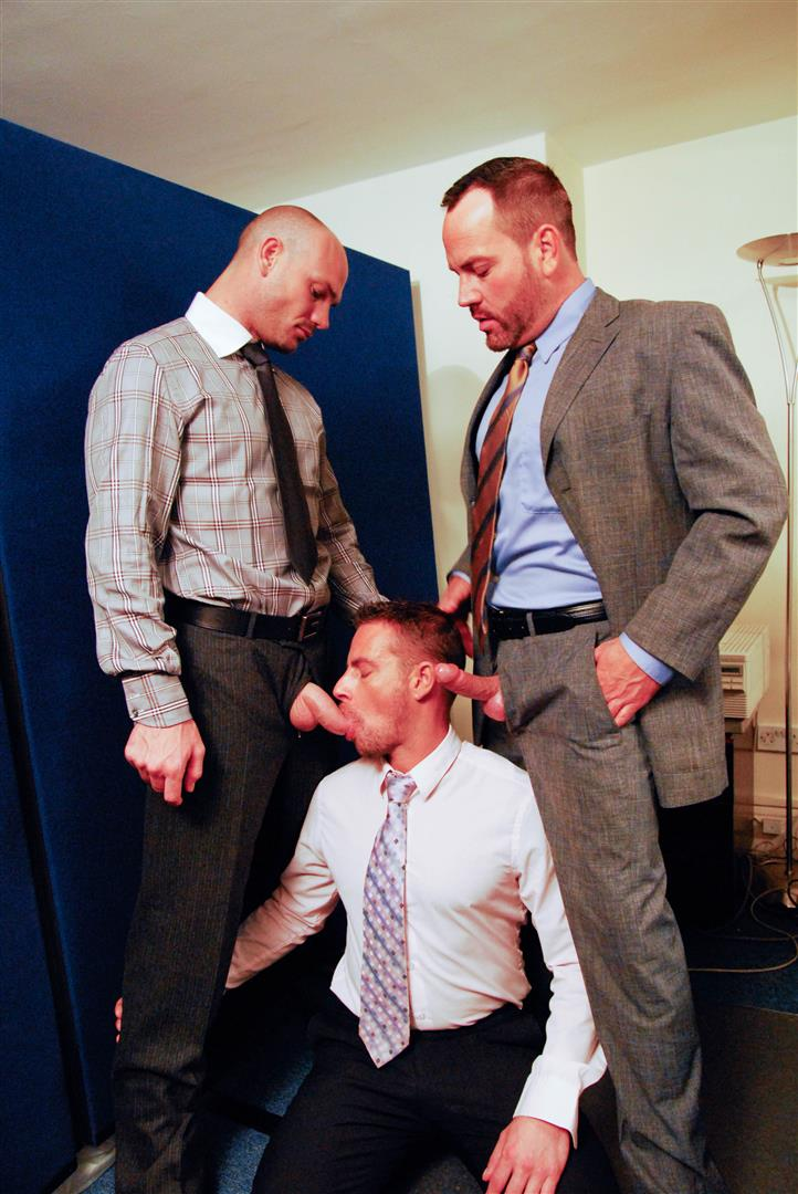 AlphaMales-Kurt-Rogers-and-Jake-Ryder-and-Matthew-Ford-Bareback-Threesome-Amateur-Gay-Porn-01 Three Office Hunks In Suits With Big Uncut Cocks Bareback Fucking In The Workplace